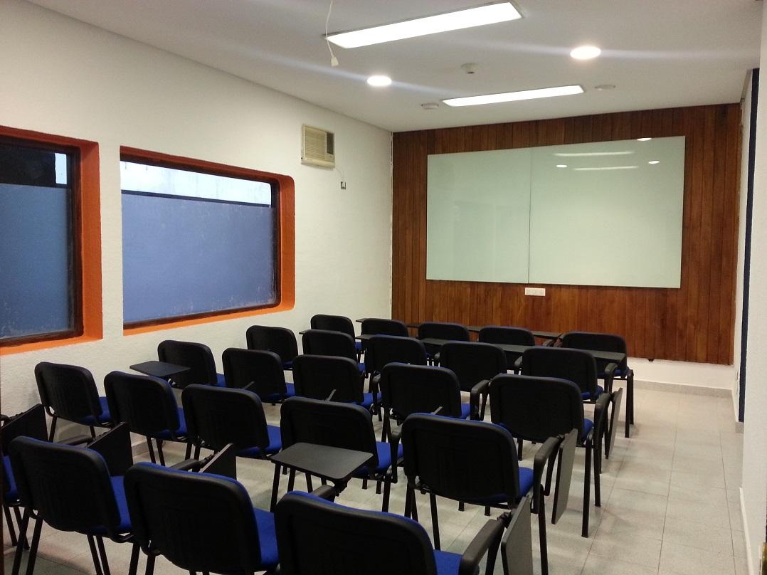 imagen alquiler aula azul atras